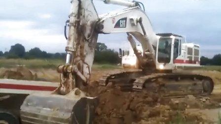 cat 卡特 385c挖掘机装车