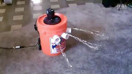 【藤缠楼】男子用水桶自制空调