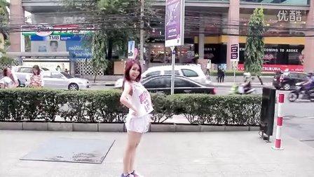 点击观看 泰国热裤女街头lita舞蹈red velvet happiness
