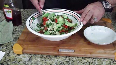 烤玉米番茄和鳄梨的夏季沙拉