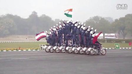 印度2015建军节阅兵式「摩托车特技」表演!