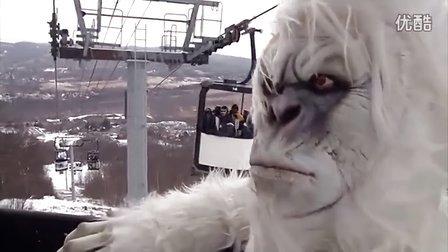 """滑雪场""""大雪怪""""恶作剧"""