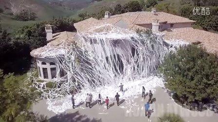 卫生纸恶作剧!在你家挂满4000卷卫生纸的感觉
