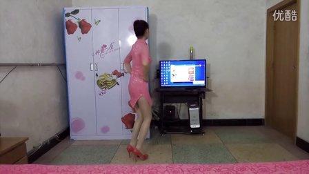 点击观看《玲珑广场舞 为你点赞 正反两面教学视频  编舞:青儿》