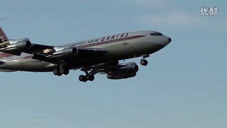 好萊塢明星約翰·特拉沃爾塔私人飛機波音707降落倫敦蓋特威克機場