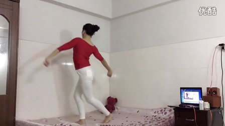 点击观看《青青世界广场舞 总会幸福的》