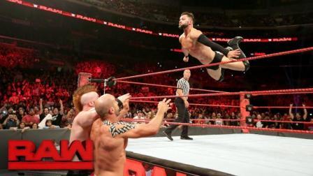 【RAW 06/26】芬-巴洛尔搭档哈迪兄弟对战大白&瑞士超人 好莱坞明星乔什-杜哈明客串解说