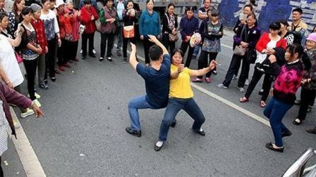 郑州尬舞一条街,这是要推广全国的节奏吗