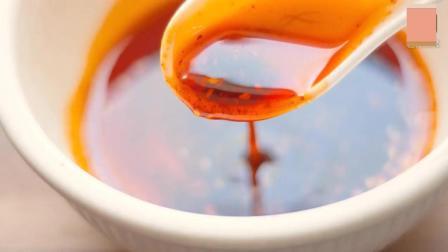 西安油泼辣子 简易法 点醋前后辣椒油颜色是不是明显变了