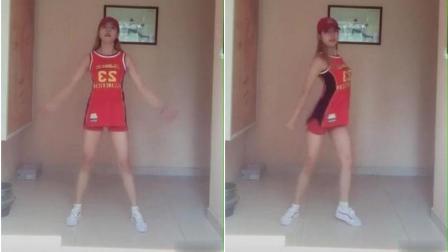 美女啦啦队舞跳得真好, 很有节奏感