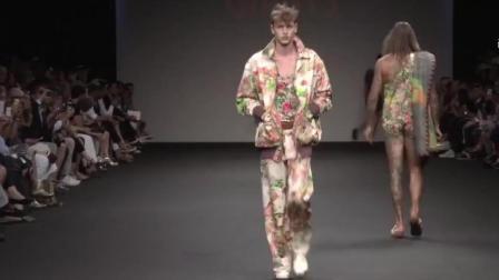 時尚視頻: 歐美男?!姸嗄心oL采展示, 上身穿長袖 下身穿三角褲