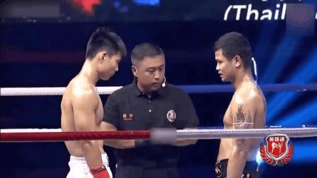 泰拳选手还没看明白就被中国小伙KO了