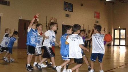 美国9岁小孩的比赛强度! 飙垃圾话、示威、冲突