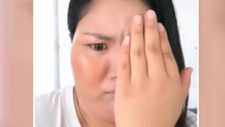 溪哥辣评: 化妆术就是这么神奇, 超搞笑, 大妈一