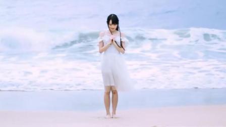 海边清纯美女宅舞, 让人忍不住想去恋爱!