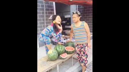 二货美女卖西瓜, 太搞笑了, 笑翻一村人