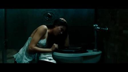 超性感美女在酒吧厕所遇到可怕的事情