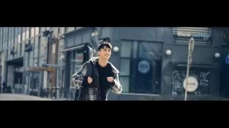 许魏洲《放》首支个人MV, 强烈释放着青春气息正
