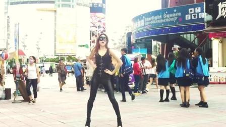 美女皮装街头大秀EXID新曲DDD舞蹈