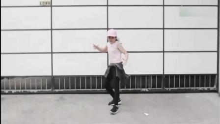 网红妹妹Niana跳全网最火的《Despacito》舞蹈!
