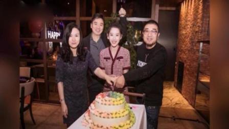 章泽天24岁生日 刘强东送两米高的玫瑰花熊