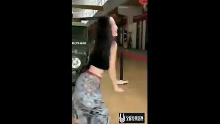 全球经典: 抖音女神跳C哩C哩舞蹈, 洗脑神曲《p