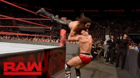 【RAW 11/27】赛斯罗林斯超级踢 踢爆瑞士超人凯萨罗 为捍卫者长脸!
