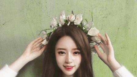 韩国美女直播间诱人热舞, 后面的娃娃真Q