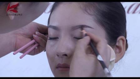 化妆标准眉的画法还在为早起画眉毛而烦恼吗快让专业化妆师教教你视频