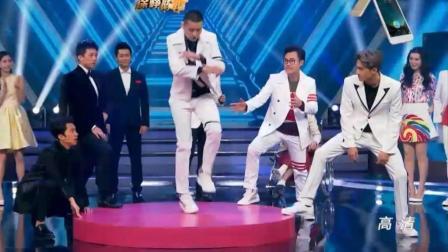 吴亦凡台上帅气尬舞, 音乐突然转换直接懵掉, 全