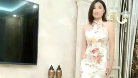 突然觉得美女还是穿古装旗袍显气质, 光看侧面就