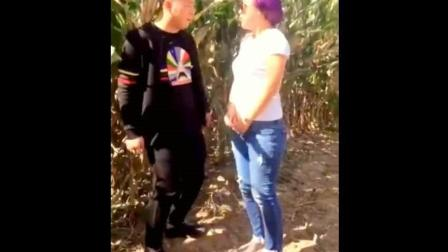 二货美女, 搞笑视频, 十七岁以下不准看