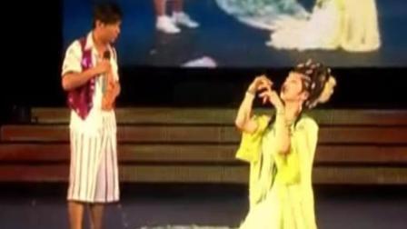 孙小宝 李玉刚这段舞蹈 歌曲 台下观众笑的合不拢嘴