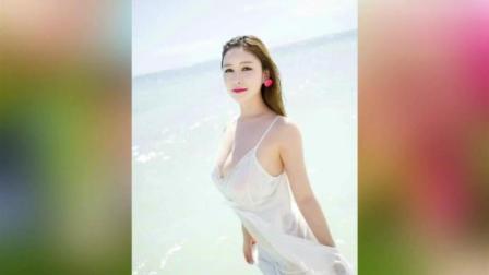 混血美女拍海滩拍写真, 身材绝了