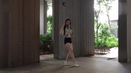 萌妹子: 美腿国产妹纸性感热舞 优雅地 神曲