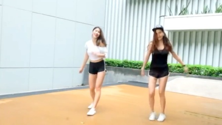美女挑战神曲《PANAMA》舞蹈太有味道 好想一起跳