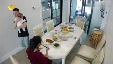 王栎鑫和老婆在家带孩子, 这才是真人秀, 王栎鑫快崩溃了!