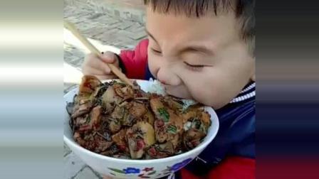 今天中午给儿子做的回锅肉, 你家孩子能吃这么多吗? 感觉养不起了