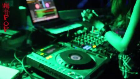 上了年纪听到这首DJ舞曲, 眼泪不自觉的往下流