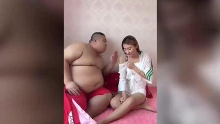 美女美女搞笑视频, 憋不住了, 笑死人不偿命DD