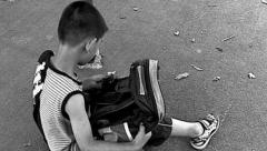 孩子患上多动症,无知妈妈却还在批评他,这样判断孩子是否多动症视频