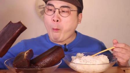 韩国大胃王挑战日本陈年大萝卜, 这声音感觉牙齿断了