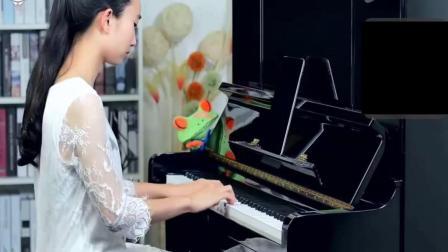 【久音盒钢琴】90后美女用钢琴演奏一首高大上的