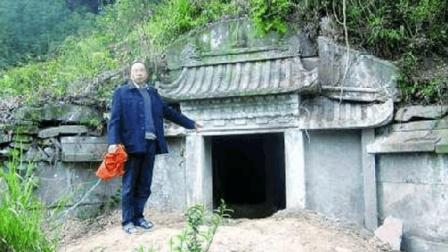 专家竟挖出考古学鼻祖墓, 陪葬品让所有人目瞪口