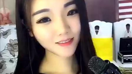 这位清纯美女唱歌实在好听, 真是太漂亮了!