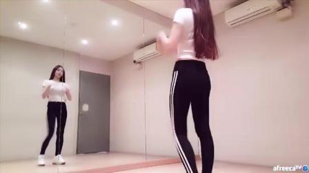 韩国美女主播佳琳紧身裤练习室性感舞蹈 EXID《抖