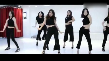 一群美女跳舞, 身材和舞姿都很美
