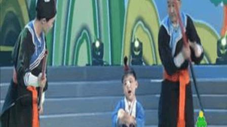 曲剧艺术家杨帅学 押着3岁的小仓娃演唱卷席筒