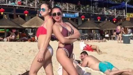 三亚骚舞弄姿的俄罗斯长腿模特, 比基尼泳装衬托