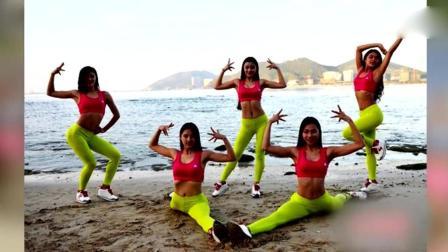 成都大学 女子健身队备战比基尼小姐赛